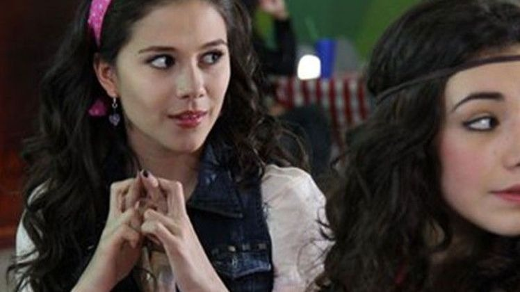 Chica Vampiro mortel d'être un vampire Daisy aime en secret