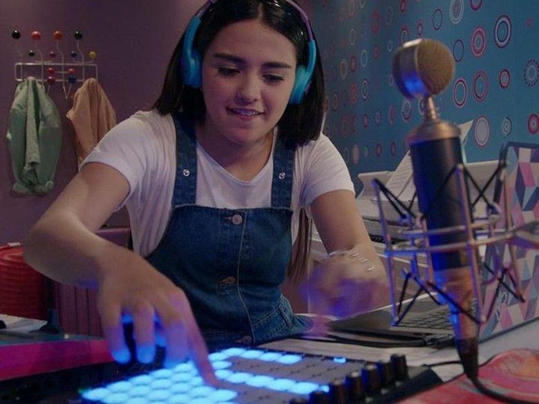 Kally's mashup la voix de la pop en streaming